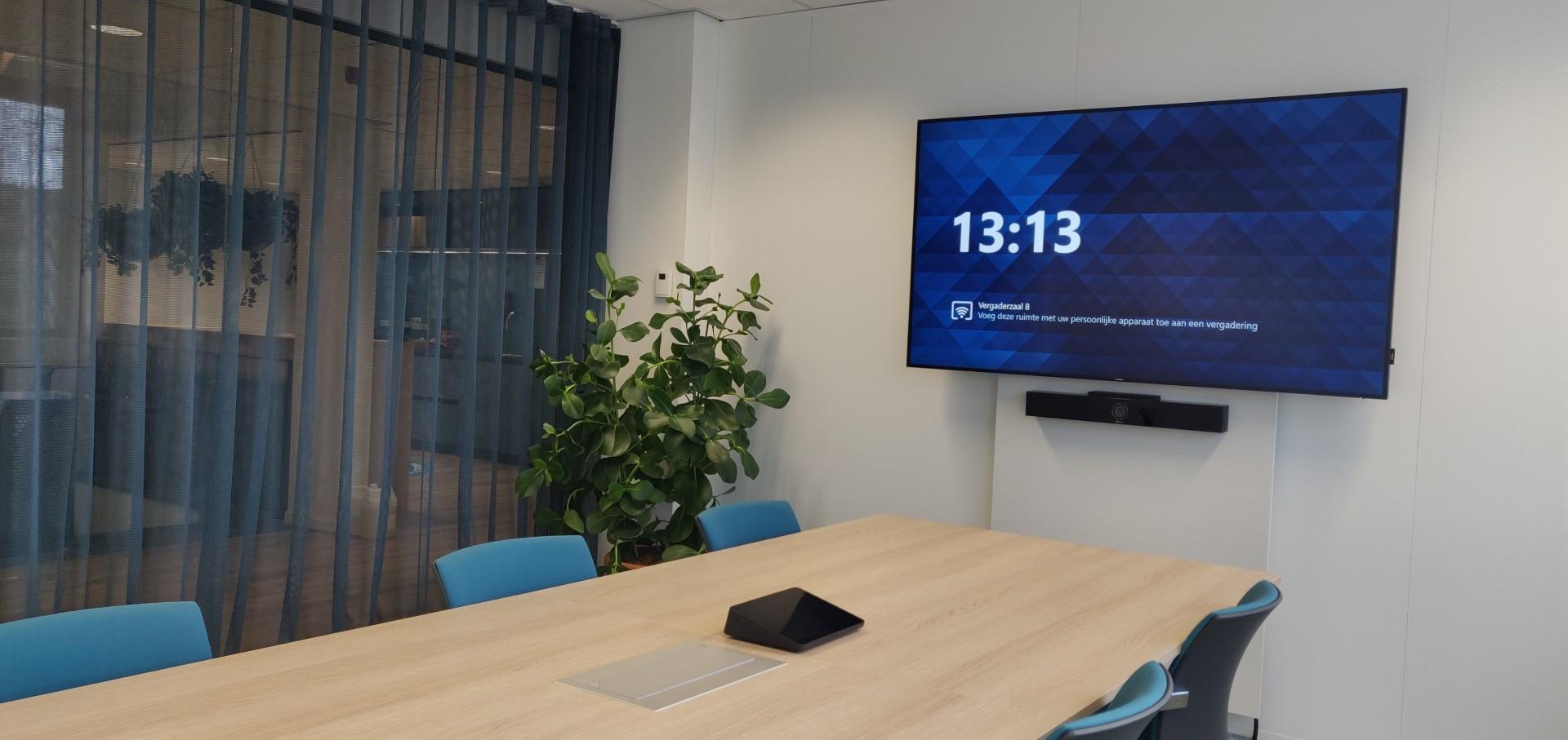 Teamsroom small met videoconference soundbar